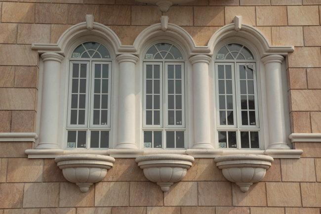 欧式窗户建筑摄影图片