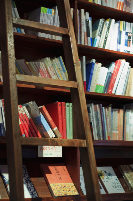 图书馆 书架 角落