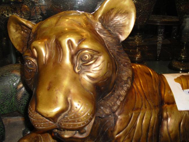 铜狮子 艺术品 卧狮图片