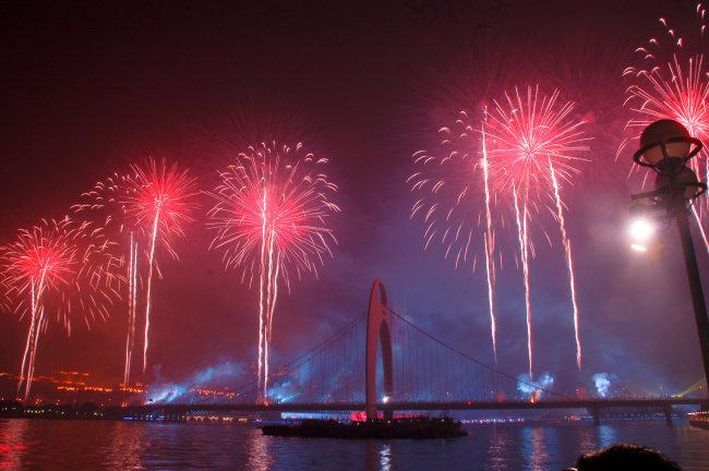 兆  广州 夜景 小蛮腰 电视塔 猎德大桥 灯光 风光 夜色 烟花