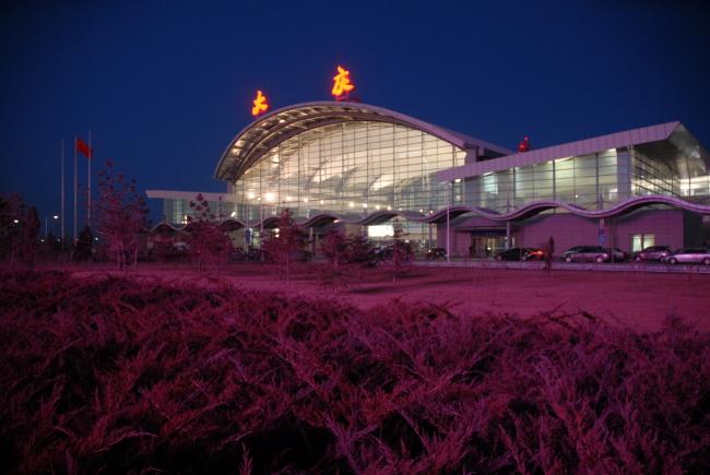 大庆飞机场夜景