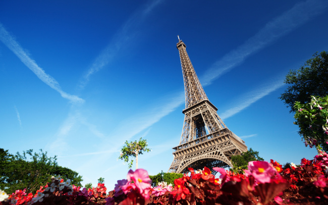 巴黎铁塔自然风景