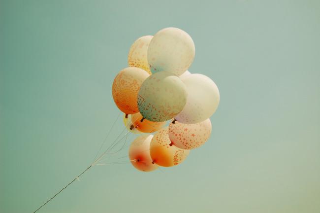 圆气球编花朵步骤图